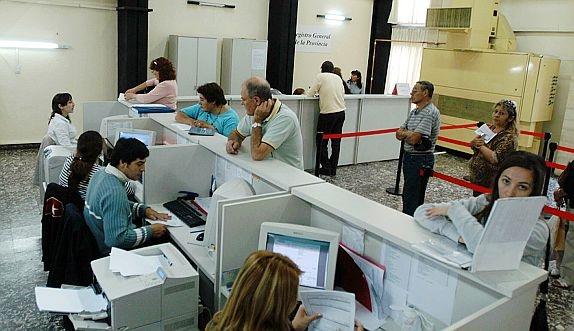 Csif ve insuficientes las plazas de la oferta de for Bolsa de trabajo oficinas de gobierno