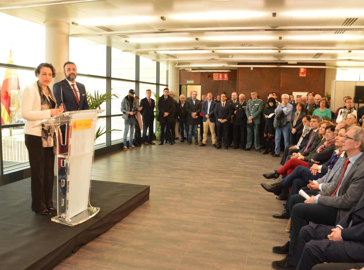 La ministra magdalena valerio inaugura la oficina integral for Oficinas seguridad social