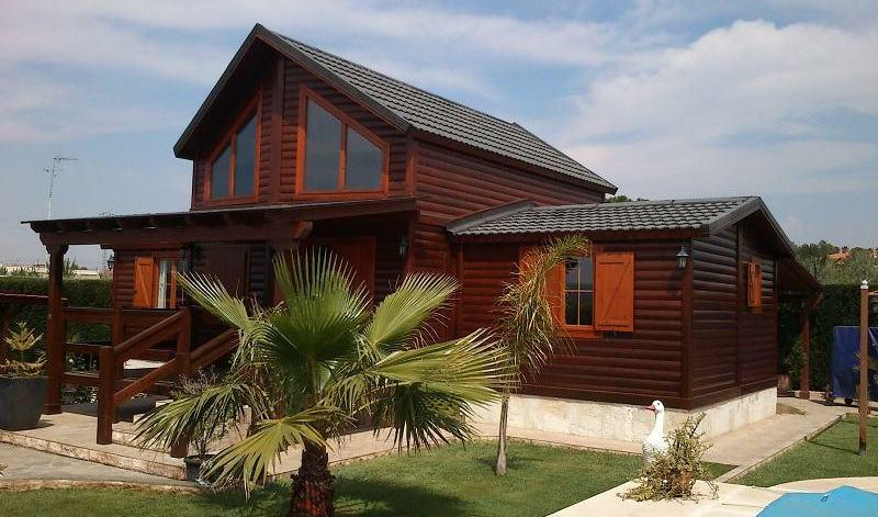 Casas de madera prefabricadas una opci n muy asequible for Casas infantiles de madera para jardin segunda mano