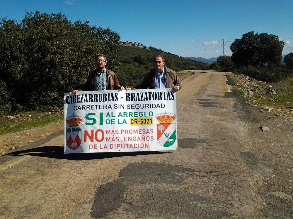 Los alcaldes de Brazatortas y Cabezarrubias informan a la Subdelegación del corte de la carretera de Brazatortas a Cabezarrubias del Puerto para el lunes 26 de febrero