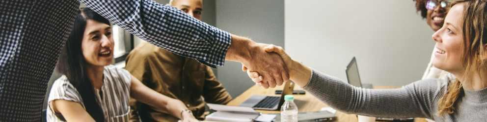 El arte de la negociación: Etapas y aspectos socio-culturales clave