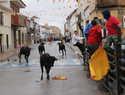 La lluvia no ha impedido el primer encierro de las Fiestas de Villamayor, aunque ha restado público