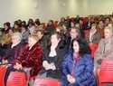 La alcaldesa de Alcázar mantiene un encuentro con la asociación de amas de casa para explicar los nuevos Presupuestos y Ordenanzas Fiscales