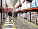 La alcaldesa de Alcázar visitó la central de AGROVIN que está ampliando sus instalaciones para mejorar almacenaje y distribución
