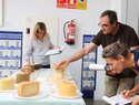 Más queserías compiten en Fercam por ser las mejores en elaboración de queso manchego