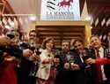 La alcaldesa de Alcázar presente en la inauguración de FENAVIN cuando cumple la mayoría de edad