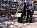 Campaña de la Policía Local para evitar robo de carteras en el mercadillo de Manzanares