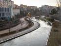 La Concejalía de Medio Ambiente de Guadalajara realiza trabajos de mantenimiento y conservación en la lámina de agua del barranco del Alamín