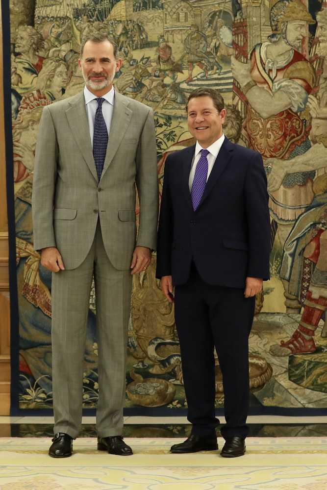 ¿Cuánto mide Emiliano García-Page? - Altura - Real height 48315615771_ca22f2bc58_k