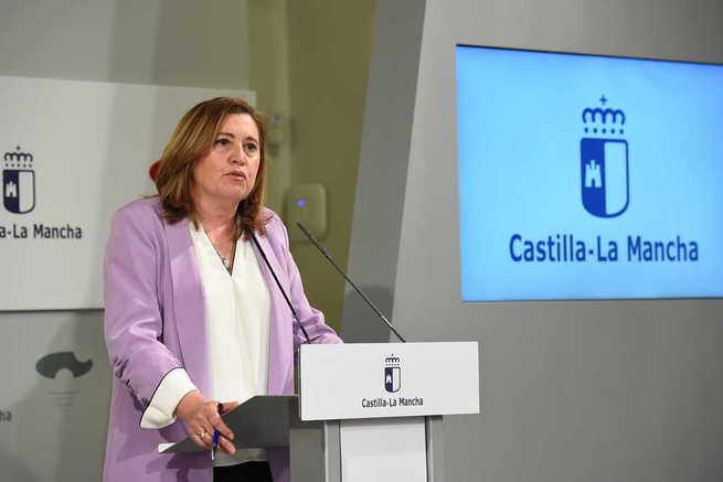 """Castilla-La Mancha reajustará calendario de oposiciones docentes tras aplazamiento y procurará """"no lesionar"""" a opositores"""