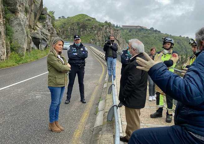 Cortada al tráfico por desprendimientos en Toledo la carretera del Valle entre el viaducto del arroyo de la Degollada y el puente nuevo de Alcántara