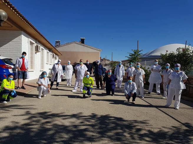El personal sanitario del Centro   de Salud de Villanueva de los   Infantes agradece a la España   Vaciada su apoyo en la lucha   contra la COVID-19