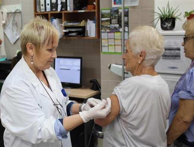 La campaña de vacunación contra la gripe comenzará en octubre y se priorizará a los grupos más vulnerables
