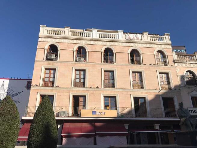 La Federación de Empresarios de Hostelería de Castilla-La Mancha pide en las Cortes ayudas directas para hacer frente a las pérdidas del COVID-19