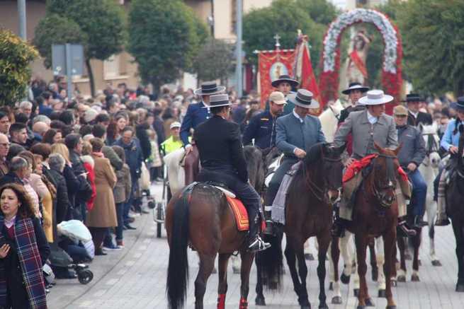 Alcázar volvió a arropar a San Sebastián en su procesión hacia la ermita