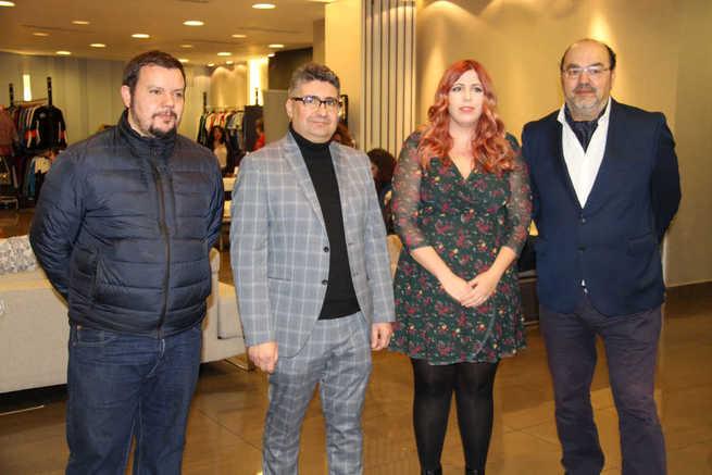 Más de 30 expositores de la localidad muestran sus productos y servicios en el Alcázar Outlet 2020