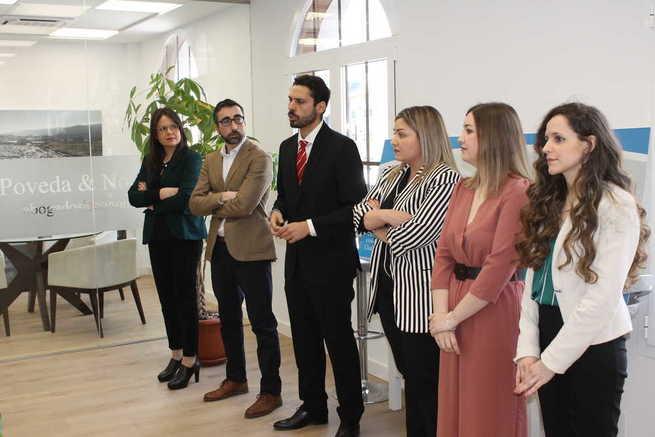 La empresa ciudadrealeña de abogados y economistas Poveda & Noguera ha inaugurado sus nuevas instalaciones en la Plaza Mayor