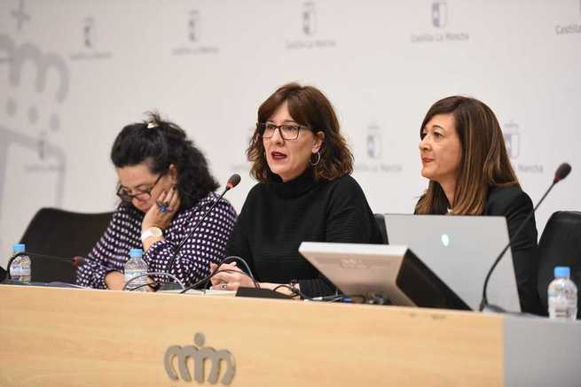 El Gobierno de Castilla-La Mancha convoca las becas 'Leonor Serrano Pablo' de estudios universitarios para mujeres víctimas de violencia de género, sus hijas e hijos