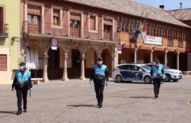 Un incendio en unos rastrojos y el desalojo de personas, algunos de los asuntos atendidos por la Policía Local de La Solana