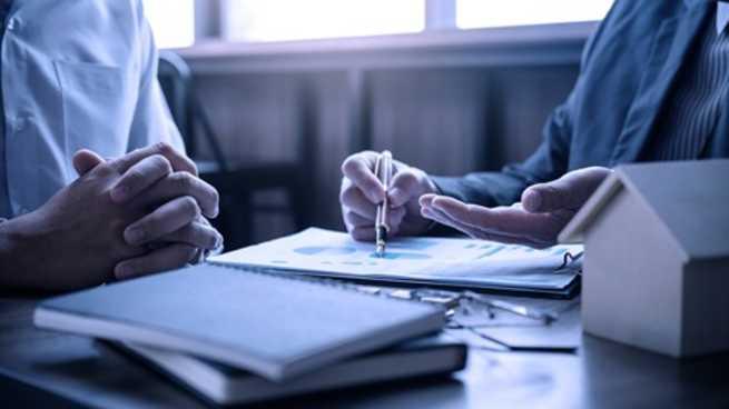 La OCU denuncia trabas y falta de información para solicitar la moratoria de prestamos
