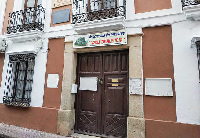 Condenados los responsables de la agencia de la viajes que se apropió indebidamente del dinero de los mayores de Almodóvar
