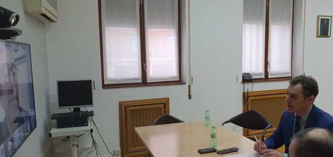El delegado del Gobierno en Castilla-La Mancha, Francisco Tierraseca, traslada las medidas adoptadas por la crisis del coronavirus a los agentes sociales