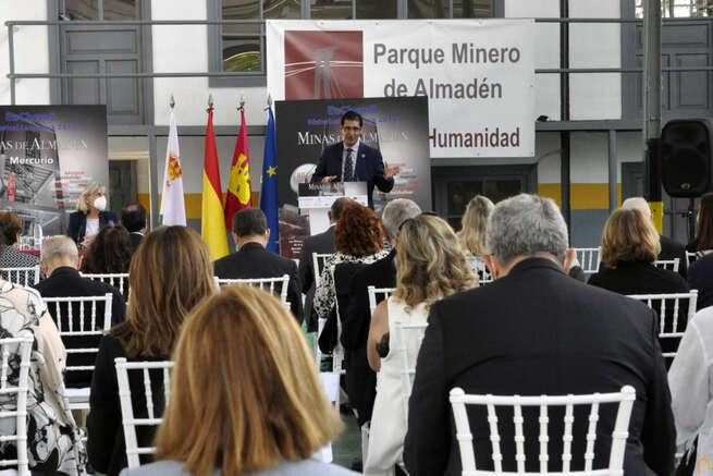 Caballero destaca la importancia de poner en valor en el ámbito internacional Almadén como destino científico por sus minas