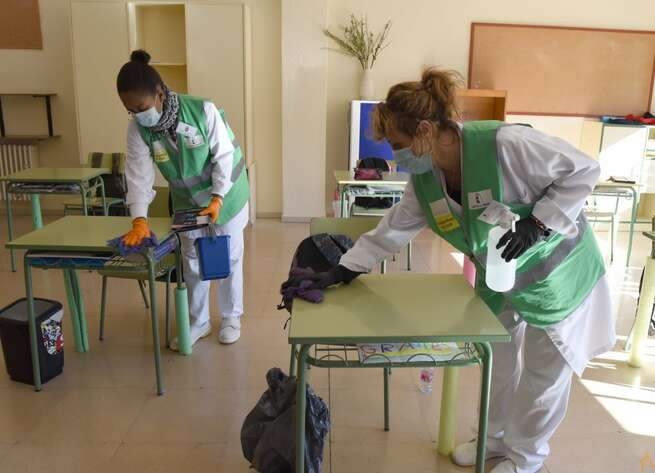 235 personas se incorporan hoy a los colegios de la provincia de Ciudad Real para el refuerzo de las labores de limpieza y desinfección frente a la Covid-19