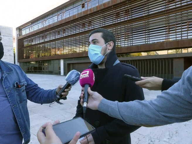 """Podemos C-LM anuncia que recurrirá la suspensión del IMS y acusa a Page de """"traicionar a las familias en plena crisis"""""""