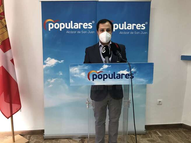 García Villajos: El PP de Alcázar seguirá proponiendo ayudas para frenar la agonía que impone Rosa Melchor