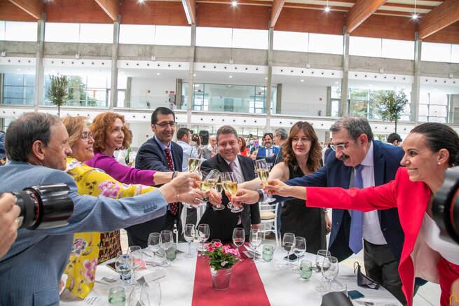"""Inaugurada la primera fase del recinto ferial de Ciudad Real, """"todo un referente en la región que consolida Fenavin para siempre en Ciudad Real"""""""
