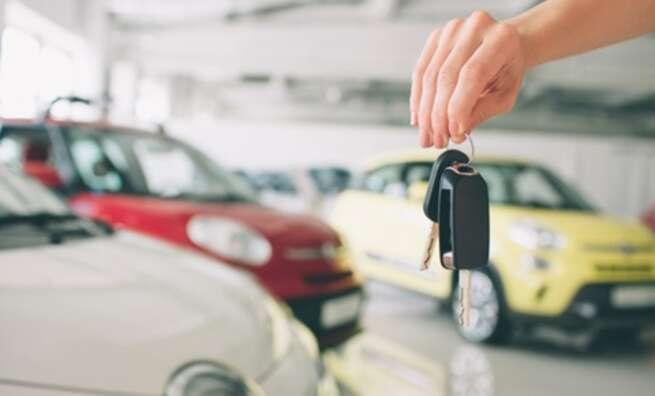 OCU alerta de un aumento de las reclamaciones contra las compañías de alquiler de coches