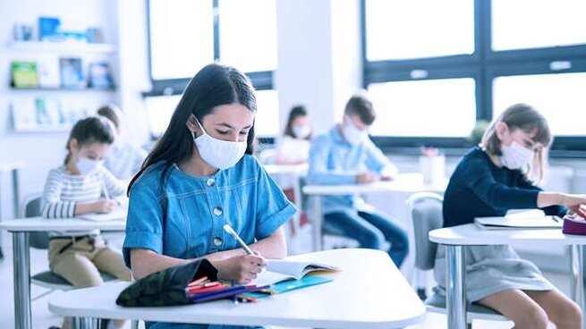 Veinte de las 18.000 aulas que hay en Castilla-La Mancha se encuentran en cuarentena desde que comenzó el curso