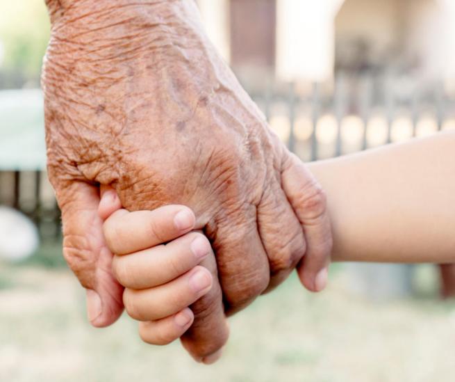 Día de los Abuelos. Una ocasión para reconocer el afecto, el recuerdo y el valor de abuelos en las familias