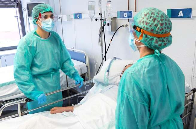 Castilla-La Mancha sigue reduciendo el número de hospitalizados por COVID-19 tanto en cama convencional como en UCI