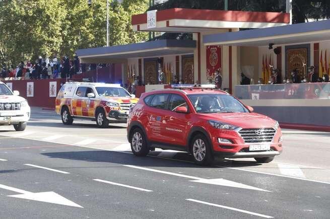 El 1-1-2 y Protección Civil representan a Castilla-La Mancha en el desfile con motivo de la Fiesta Nacional, en Madrid