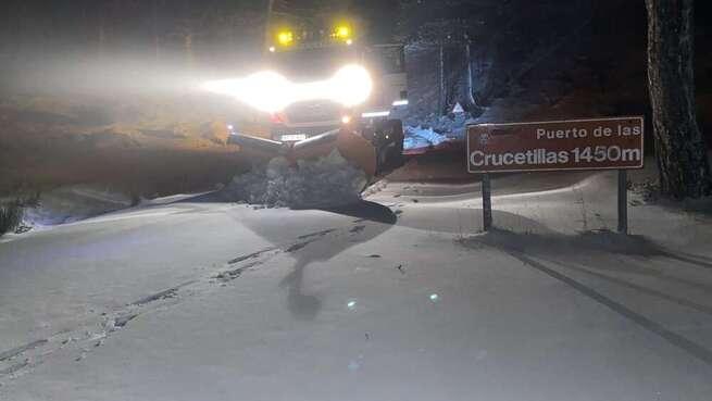 El operativo de vialidad invernal de la Diputación de Albacete suma ya actuaciones en casi 6.700 kilómetros de carreteras provinciales sobre los que se han arrojado unas 370 toneladas de sal