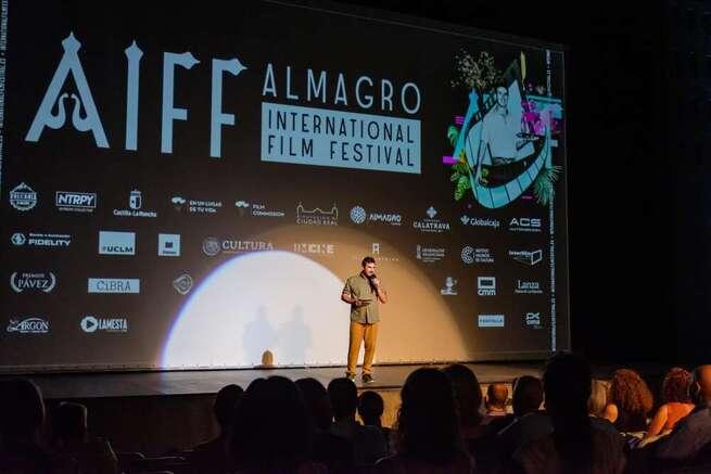 El Festival de Cine de Almagro se inaugura con un evento donde se aúna el pasado, el presente y el futuro del cine