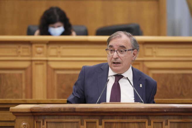 Mora defiende la austeridad de la Ley de la Cámara de Cuentas y recuerda que el PP dobló la deuda