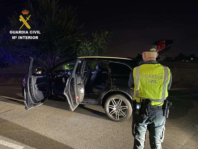Detenidas dos personas por darse a la fuga de un control policial en Las Ventas de Retamosa con 960 plantas de marihuana (Toledo)