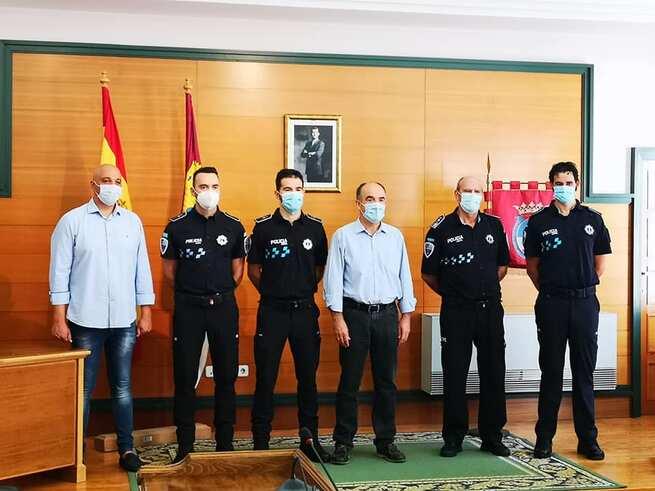 Tres jóvenes agentes de policía vuelven a Villarrobledo tras prestar servicio en otras localidades