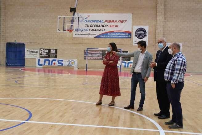 La nueva pista del Antonio Caba de Manzanares, a punto para el inicio de la competición