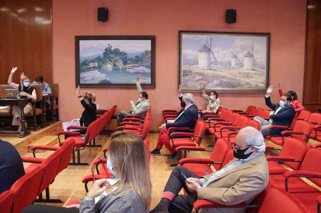 El pleno de Manzanares declara causa de incompatibilidad de Alfonso Manuel López-Villalta para el desempeño del cargo de concejal