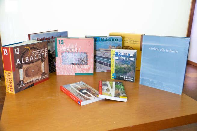 Más de 3.000 alojamientos turísticos de la región recibirán fondos bibliográficos para fomentar el conocimiento del patrimonio de Castilla-La Mancha