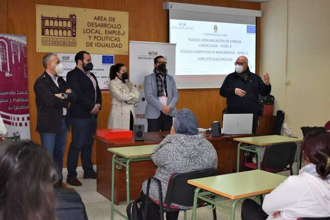 Una veintena de alumnos de Villarrobledo comienzan el curso de Competencias Clave de Nivel 2 en la Agencia de Desarrollo Local