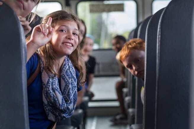 Cconcedidas 486 becas individuales para el transporte escolar por importe de más de 150.000 euros