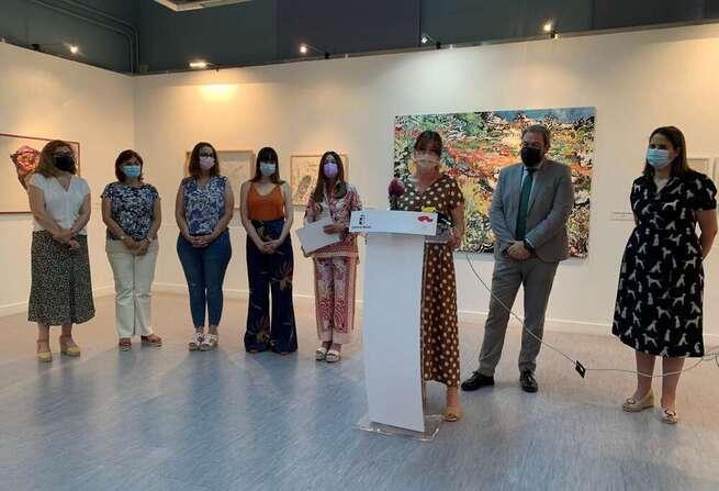 El Gobierno regional apuesta por destacar el papel de las mujeres en el arte, visibilizar su talento y crear espacios para compartir sus obras