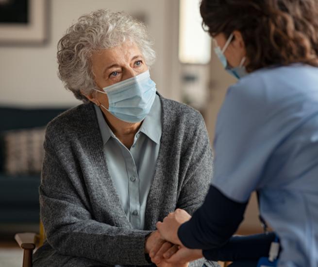 Castilla-La Mancha flexibiliza las visitas a residencias de personas  mayores en la nueva resolución de medidas preventivas contra la Covid-19 en centros residenciales