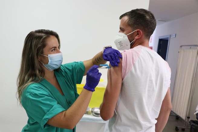 Nueva reducción de casos y hospitalizados por COVID-19 en Castilla-La Mancha respecto al fin de semana anterior