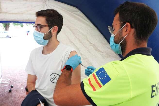 Castilla-La Mancha mantiene su objetivo de vacunar frente a la Covid-19 al mayor número de población en el menor tiempo posible